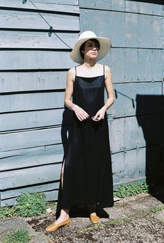 Retailer of women's clothing, footwear, jewelry and objects Apron Dress, Panama Hat, Hand Making, How To Make, How To Wear, Footwear, Dit, Clothes For Women, Dresses