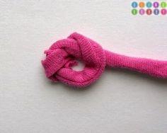 Un DIY para hacerte una alfombra utilizando trapillo y lana | Decora y diviértete