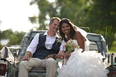 NON-HIPSTER WEDDING - 24 Lightroom Presets If you're bored with the typical hipster weddings and tired of the almost interchangeable photos, then this product Presets Lightroom, Hipster Wedding, Couple Shots, Portrait Pictures, Wedding Portraits, Wedding Photos, Wedding Photography, Photoshoot, Couples