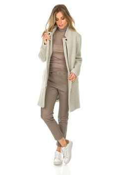 Kleding in de kleur taupe. | Style Consulting Online Fashion Boutique, Fashion Online, Get The Look, Military Jacket, Taupe, Duster Coat, Turtle Neck, Jackets, Outfits