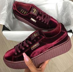 free shipping 2768a f96cc 20 piezas en terciopelo para llenar tu clóset de suavidad y brillo con la  tendencia  Velvet . Zapatos ...