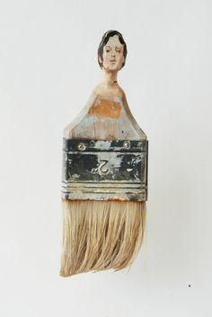 A artista Rebecca Szeto transforma pincéis velhos em obras de arte