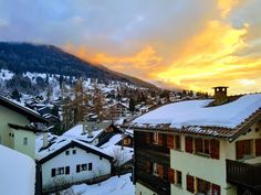 We spent the weekend up in the Swiss Alps. Saturday was rainy, in return Sunday rewarded us with this beautiful sunset