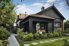 Ideas for house paint exterior colour schemes dulux Black House Exterior, Bungalow Exterior, Exterior Paint Colors For House, Grey Exterior, Paint Colors For Home, Exterior Design, Paint Colours, Exterior Siding, Colonial Exterior