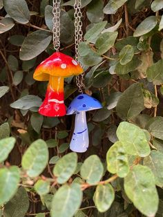 Silver Claddagh Ring, Ceramic Necklace, Air Dry Clay, Paint Finishes, Clear Acrylic, Wind Chimes, Hippie Boho, Primary Colors, Stuffed Mushrooms