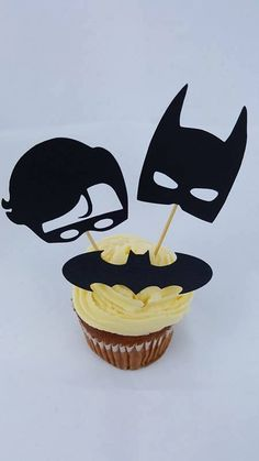 Hey, I found this really awesome Etsy listing at https://www.etsy.com/uk/listing/466604367/batman-party-decoration-batman-and-robin