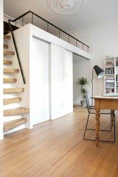 escalier pour mezzanine, design d'escalier atypique en bois
