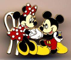 Disney Pins Mickey n Minnie