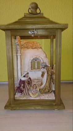 Christmas Carol, Christmas Wishes, Christmas Wreaths, Christmas Crafts, Christmas Stuff, Diorama, Christmas Village Display, Catholic Crafts, Lanterns Decor