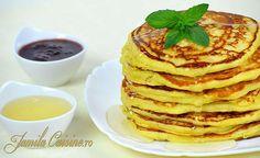 Pancakes – Clatite americane – reteta video Salad Recipes, Dessert Recipes, Desserts, American Pancakes, Tasty, Yummy Food, Family Meals, Love Food, Food To Make