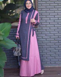 Muslim Fashion, Hijab Fashion, Fashion Dresses, Muslim Gown, Hijab Style Dress, Blouse Batik, Dress Clothes For Women, Mode Hijab, Scarf Styles