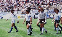 Argentina-Italia - Mexico 86 - Maradona Retro Pics (@MaradonaPICS)   Twitter Retro Pictures, Retro Pics, Diego Armando, Mexico, World Cup, Sexy Men, Dolores Park, Rey, Tours