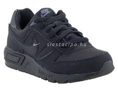 Siesta gyerekcipő márkabolt és gyerekcipő webáruház :: NIKE cipők :: Nike gyerekcipő 35.5-49.5-es méretig :: NIKE NIGHTGAZER fekete fűzős sportcipő (35.5-40) Air Max Sneakers, Sneakers Nike, Birkenstock, Nike Air Max, The North Face, Toms, Converse, Adidas, Fashion