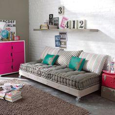 matelas capitonn avec coussin couchage futon ou grand coussin de sol pour chambre ado enfant. Black Bedroom Furniture Sets. Home Design Ideas