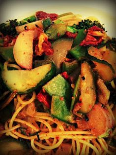 Spaghetti with broccoli, radish, snow peas, cucumbers and garlic drizzled in Portuguese white wine, rosemary, thyme and red pepper flakes.