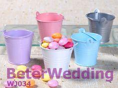 Decoração do casamento, presente de casamento, lembrança de casamento casamento tin favor baldes de estanho        ; #wedding# #bride#  #boda# #weddingfavorbox# http://www.aliexpress.com/store/product/Wedding-Dress-Tuxedo-Favor-Boxes-120pcs-60pair-TH018-Wedding-Gift-and-Wedding-Souvenir-wholesale-BeterWedding/512567_594555273.html