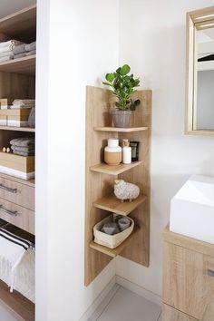 Create a small bathroom: the 10 good ideas for sewing - Côté Ma . Create a small bathroom: The 10 good ideas for sewing - Côté Ma . - Create a small bathroom: The 10 good ideas for sewing - Côté Ma… - - # Côté Corner Furniture, Diy Home Decor, Room Decor, Wall Decor, Small Bathroom Storage, Small Storage, Small Bathroom Cabinets, Small Space Bathroom, Towel Storage