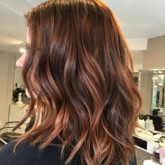 Perfect Copper Hair Color Ideas 42 Copper Hair Color Shades For Every Skin Tone In Perfect Copper Hair Color Ideas 40 Brilliant Copper Hair Color Ideas Magnetizing Shades From Light. Copper Highlights On Brown Hair, Copper Brown Hair, Copper Bob, Auburn Hair Highlights, Copper Ombre, Fall Highlights, Caramel Highlights, Auburn Balayage, Brown Hair Balayage