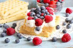 Pancakes, Cheesecake, Breakfast, Ethnic Recipes, Food, Meals, Healthy Dishes, Eat Clean Breakfast, Raspberries