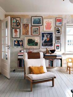 Nice Beautiful Gallery Wall Decor Ideas To Show Photos. # - Nice Beautiful Gallery Wall Decor Ideas To Show Photos. Easy Home Decor, Cheap Home Decor, Home Interior Design, Interior Decorating, Decorating Ideas, Decorating Websites, Interior Modern, Interior Colors, Decorating White Walls