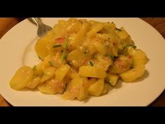 """(2) Tipp #30: Kartoffelsalat - Tipps von Stefan Marquard """"genial einfach - einfach anders"""" - YouTube Mole, Macaroni And Cheese, Make It Yourself, Ethnic Recipes, Youtube, Grandma's Recipes, Chef Recipes, Cold Dishes, Lunch Table"""