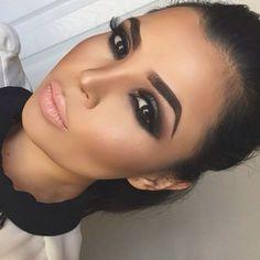 30 Eye Makeup Tips For Beginners - Make Up 2019 Makeup Trends, Eye Makeup Tips, Smokey Eye Makeup, Hair Makeup, Makeup Ideas, Makeup Hacks, Makeup Jokes, Makeup Monolid, Makeup Eyebrows