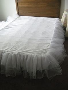 A Comfy Little Place of My Own: Making a Tulle Bedskirt