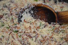 Farofa com cebola caramelizada