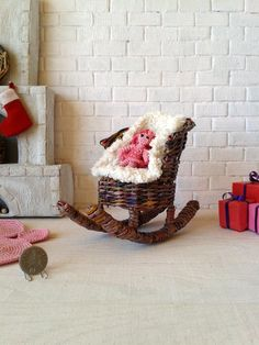 Yesterday I had a free day. And today I work with my shop. I publish the rocking chair, so you can visit my shop and take a look. Enjoy. Thanks. :) Also I hope you have a good weekend as well.Wicker Miniature, Wicker Doll Furniture, Wicker Dollhouse, Wicker Doll Chair, Wicker Doll Couch, Wicker Doll Sofa, Dollhouse Furniture, Dollhouse Chair, Dollhouse Table, Doll Room Ideas, Doll Room Design, BJD Doll, Super Dollfie, Momoko doll, Monster High, Blythe, American Girl, Barbie, Pullip, Etsy… Miniature Chair, Miniature Furniture, Doll Furniture, Dollhouse Furniture, Girl Barbie, Funny Toys, Original Gifts, Small Shops, Clothes Crafts