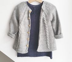 Looooving the jacket! Knitting For Kids, Baby Sweaters, Cute Babies, Knitting Patterns, Anna, Sleeves, Cardigans, Children, Fashion