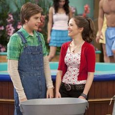 Zack and Maya (Suite Life on Deck) Super cute couples but it's over now D: