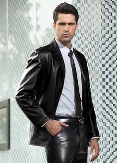 Hot guy in tight black leather pants and black leather blazer http://liamhubpages.hubpages.com/hub/Best-Mens-Leather-Blazers