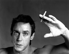 Robert Mapplethorpe Iggy Pop, x 17 inchesCourtesy of Robert Mapplethorpe Foundation, New York© Robert Mapplethorpe Iggy Pop, Patti Smith, Black And White Portraits, Black And White Photography, Robert Mapplethorpe Photography, Iggy And The Stooges, El Rock And Roll, Tv Movie, Still Life Images