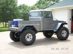 sweet fj45 - look at tube fenders tied to bumper!: