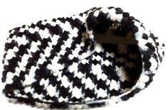 Super Warm Crochet Cowl for Cold Winter Days | @TheCrochetCubby/Angela Wojcik - Crochet on ArtFire