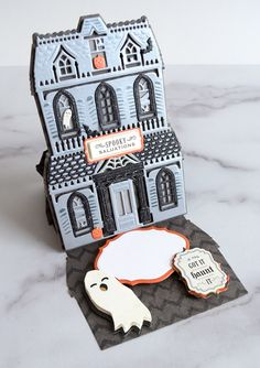 Haunted House Easel Cards Made Easy Halloween Cards, Halloween Prop, Halloween Witches, Halloween 2015, Halloween House, Halloween Ideas, Happy Halloween, Halloween Decorations, Girls Dollhouse