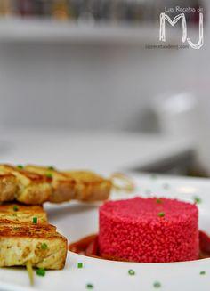 Pinchitos de cerdo con cous-cous de remolacha / Pork kebabs with couscous beet