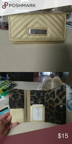 Wallet Jessica Simpson wallet, never been used Jessica Simpson Bags Wallets