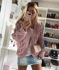how to wear a knit cardi : crossbody bag denim skirt top Rome Fashion, Knit Fashion, Slow Fashion, Cardigan Sweaters For Women, Sweater Outfits, Cardigans For Women, Fall Outfits, Pullover Outfit, Hand Knitting
