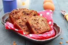 Easy banana chocolate bread recipe that calls for simple ingredients: banana