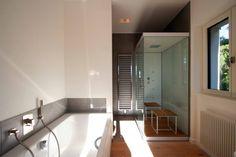 Modernisierung, Instandsetzung und Innenausbau einer Villa, Brandenburg : Moderne spa's van WAF Architekten