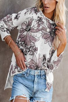 Holiday Floral Gradient Jacquard Hollow Out Knitted Top - Diorer Thing 1, Loose Tops, Trendy Tops, Fashion News, Fashion Top, Types Of Sleeves, Blouses For Women, Casual Shirts, Floral Tops