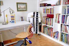 Gyerekszoba kis négyzetméteren / Éva Magazin Corner Desk, Furniture, Home Decor, Corner Table, Decoration Home, Room Decor, Home Furnishings, Home Interior Design, Home Decoration