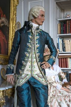 Exhibition: XVIIIth Century Costumes Fashion and fantasy in the Château d'Uss… - Historical Clothing 18th Century Dress, 18th Century Costume, 18th Century Clothing, 18th Century Fashion, Historical Costume, Historical Clothing, Rare Clothing, Costume Carnaval, Masquerade Costumes