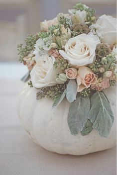 Pumpkins flowers = ? October, fall, autumn wedding???   Chic Fashion Pins : The Cutest Pins Around!!! #OctoberWeddingIdeas #weddingflowers