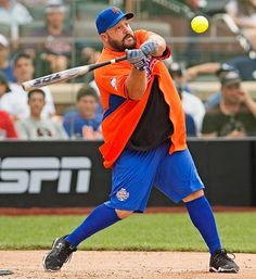 Kevin James plays in the All-Star Legends & Celebrity Softball Game at Citi Field on July 14, 2013 in New York City.  (Erick W. Rasco/SI)