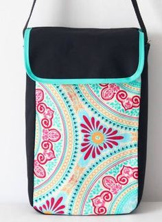 super ideas for crochet purse and bags clutches Crochet Baby Clothes, Crochet Baby Shoes, Granny Square Slippers, Crochet Unicorn Hat, Beginner Crochet Projects, Fabric Purses, Crochet Purses, Newborn Headbands, Crochet For Kids