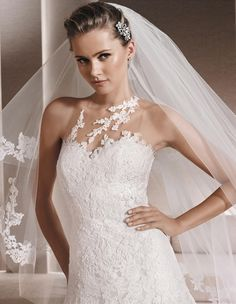 RIENDA - Lace wedding dress, with sweetheart neckline | La Sposa
