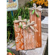 Halloween Wood Crafts, Halloween Wood Signs, Fall Halloween, Halloween Blocks, Wooden Pumpkins, Painted Pumpkins, Fall Pumpkins, Fall Pumpkin Crafts, Fall Crafts