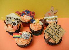Meme Cupcakes by Sugar Swings